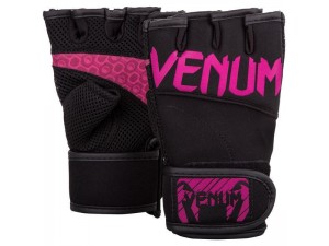 Фитнес ръкавици Venum Aero Body fitness gloves black neo pink